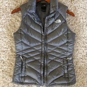 The North Face gray down vest - Small